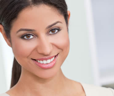 Who Can Benefit from Dental Veneers?